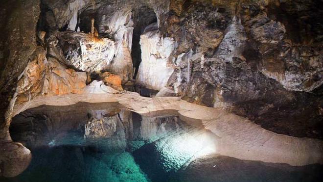 Пещера озер