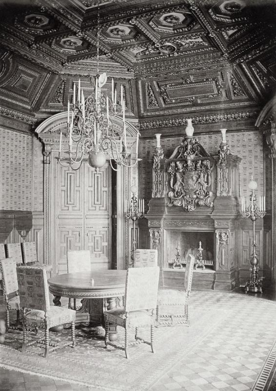 Дом Строгановых. Дубовая столовая