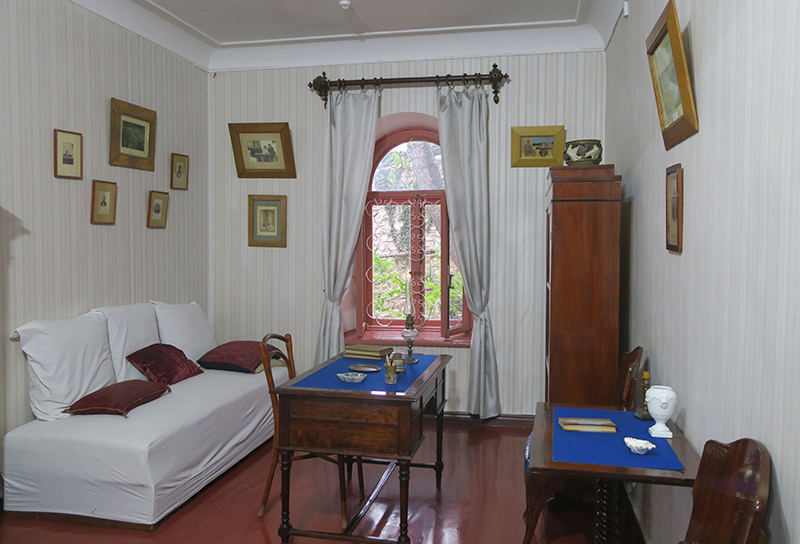 Дом-музей Белая дача А. П. Чехова в Ялте. Комната для гостей
