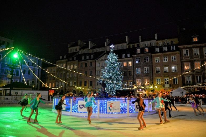 Каток на площади Рынок в Варшаве