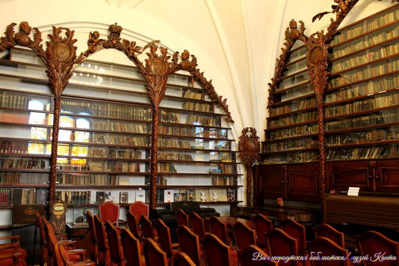 Калининград, Кафедральный собор - библиотека