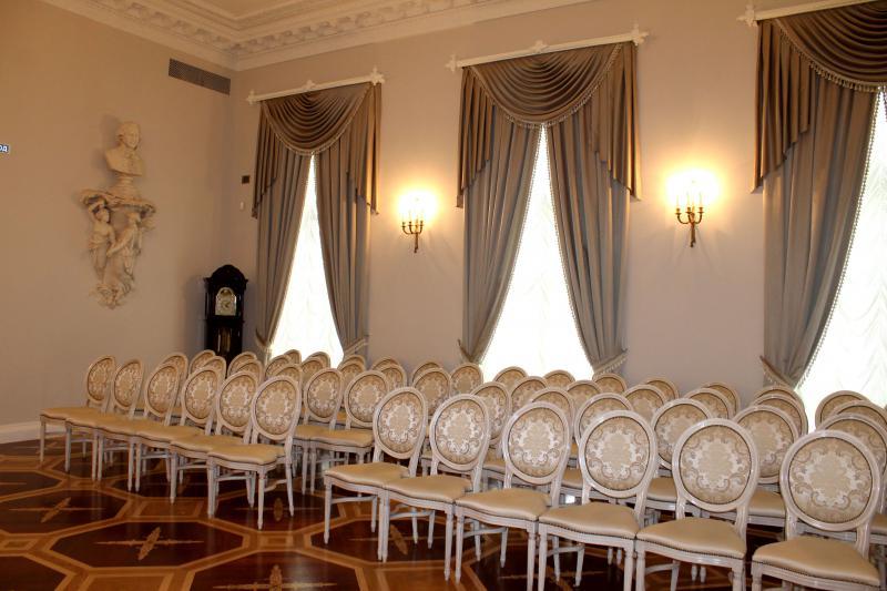 Каменноостровский дворец - музыкальная гостиная
