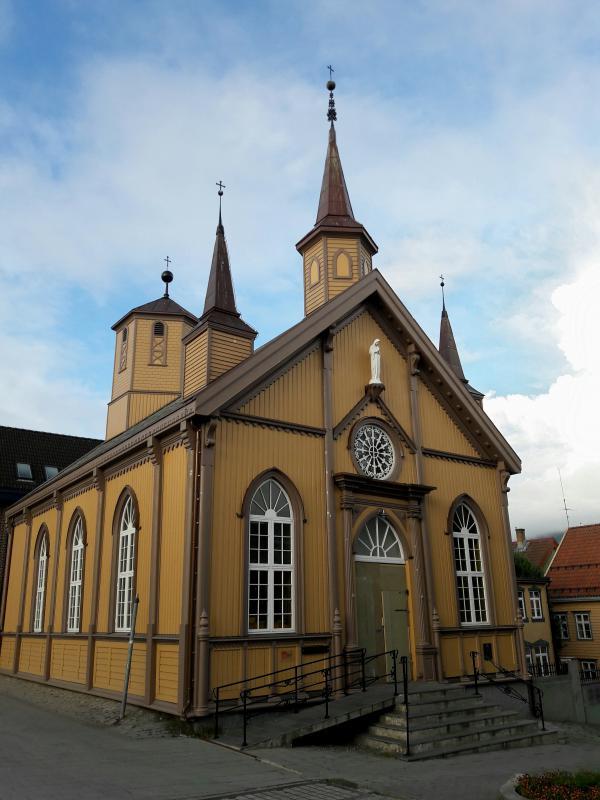 Норвегия. Тромсё - Собор Пресвятой Девы Марии