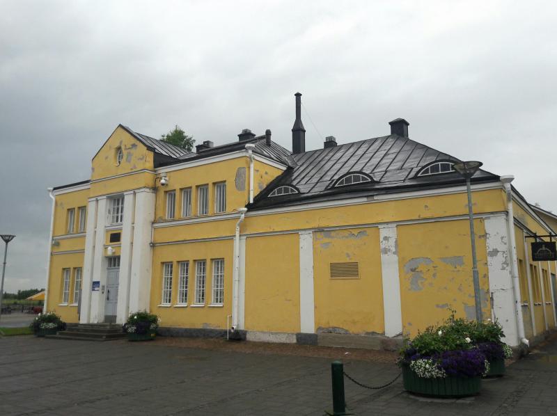 Город Кеми - в здании бывшей морской таможни открыта Галерея драгоценных камней