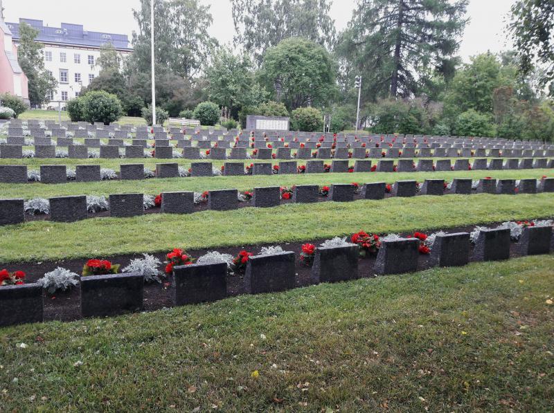 Город Кеми  мемориальное военное кладбище